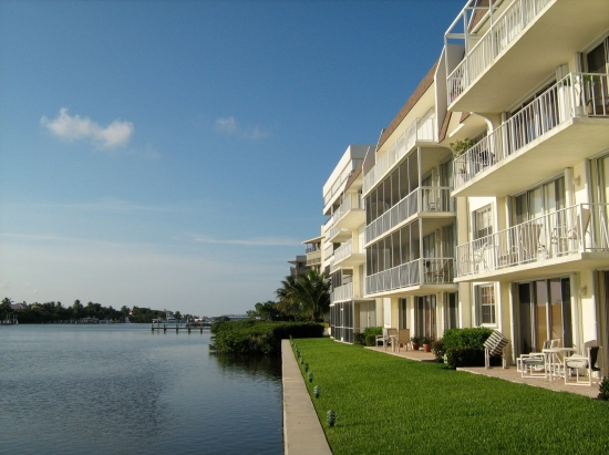 South Palm Beach Condos in Lakeside